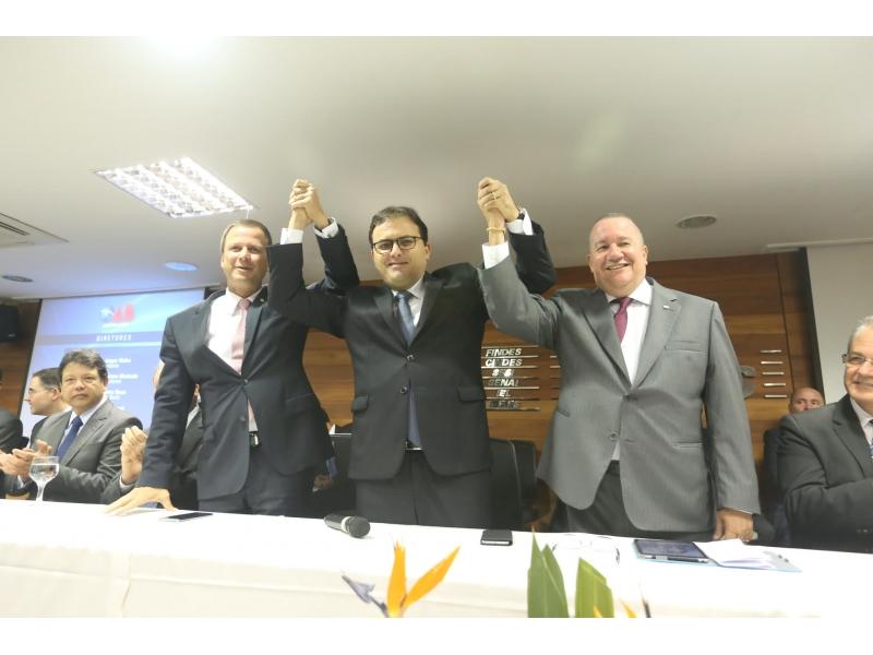 """""""OAB é dos advogados e do Brasil"""", defende Marcus Vinicius Furtado na posse da OAB-ES"""
